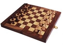 Juego de ajedrez de madera plegable y de viaje