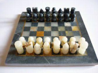 Scacchiera in alabastro completa - mai usata - come nuova